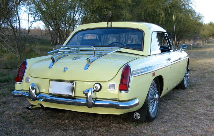 Purchase used 1969 MGB GT Pale Primrose DRIVER WIre Wheels